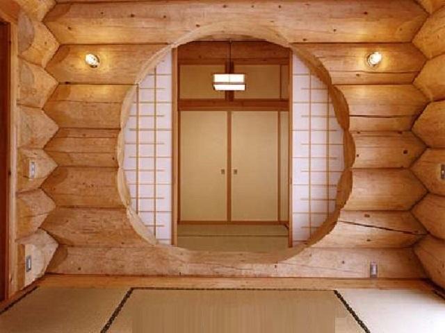 Оконный проем в деревянном доме